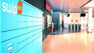Poczta Polska i SwipBox podpisały umowę na montaż 200 automatów do odbierania i nadawania paczek