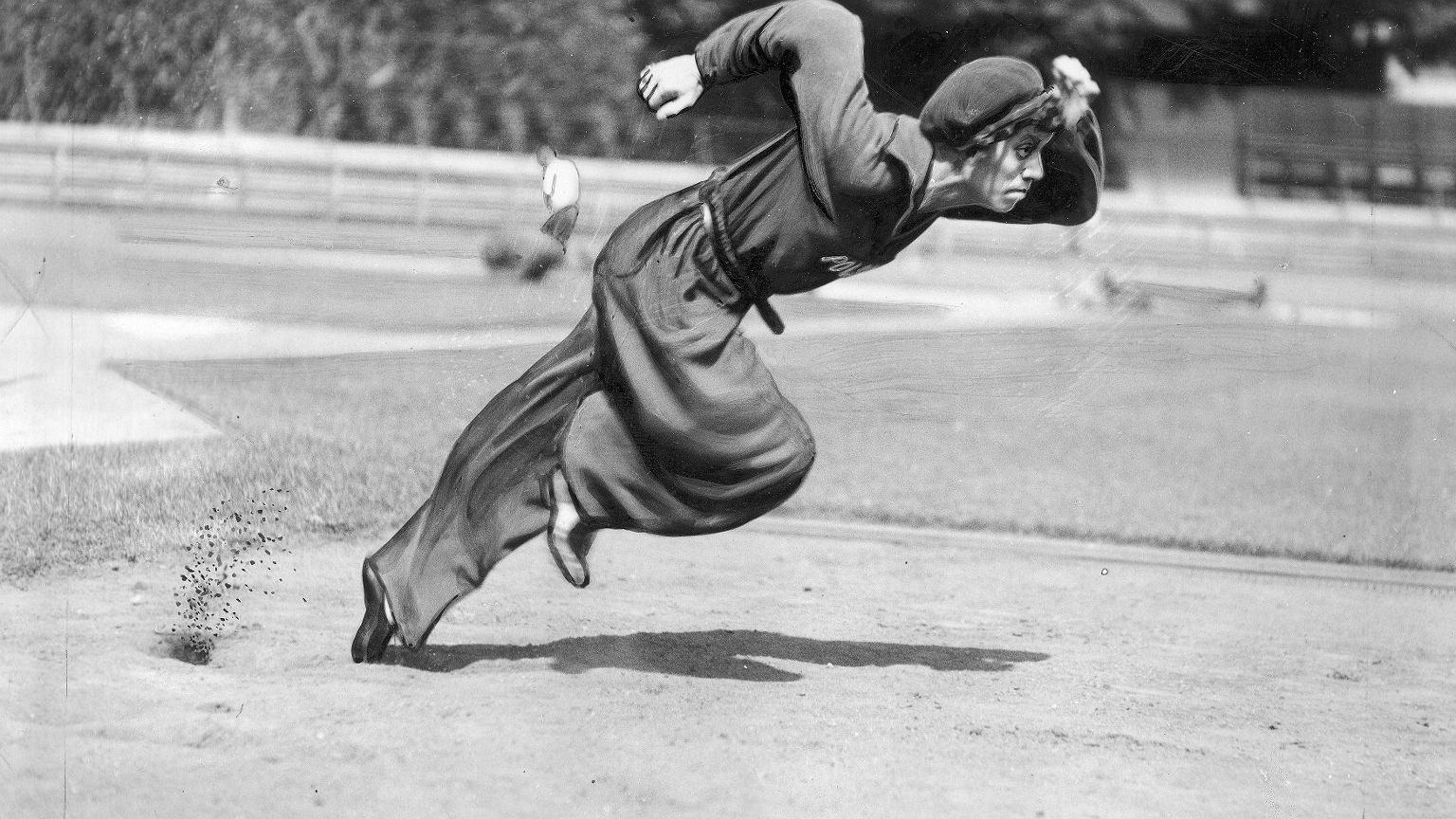 Walasiewiczówna w czasie treningu w Kopenhadze. 1933 rok