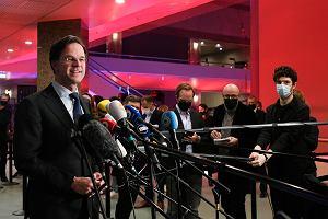 Po wyborach w Holandii: Odwrót skrajnej prawicy, sukces euroentuzjastów