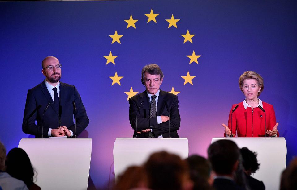 Przewodniczący Rady Europejskiej Charles Michel, przewodniczący Parlamentu Europejskiego David Sassoli i przewodnicząca Komisji Europejskiej Ursula van der Leyen