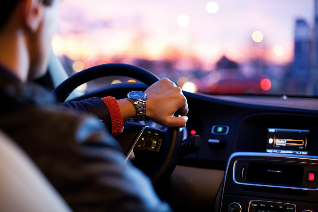 Koronawirus. Ministerstwo Infrastruktury chce wydłużyć ważność praw jazdy (zdjęcie ilustracyjne)