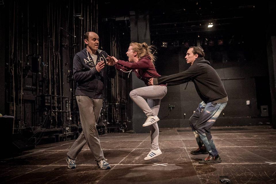 Zdjęcie numer 4 w galerii - Pierwszy Kontakt dowodzi, że teatr chce zmienić świat