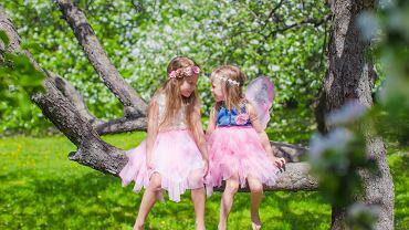 Stroje wiosenne dla dzieci- króliczek, pani wiosna, lisek, czy biedroneczka? Zdjęcie ilustracyjne