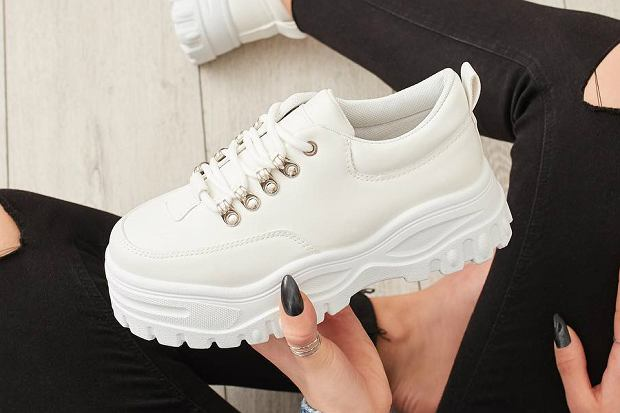 sneakersy na wiosnę