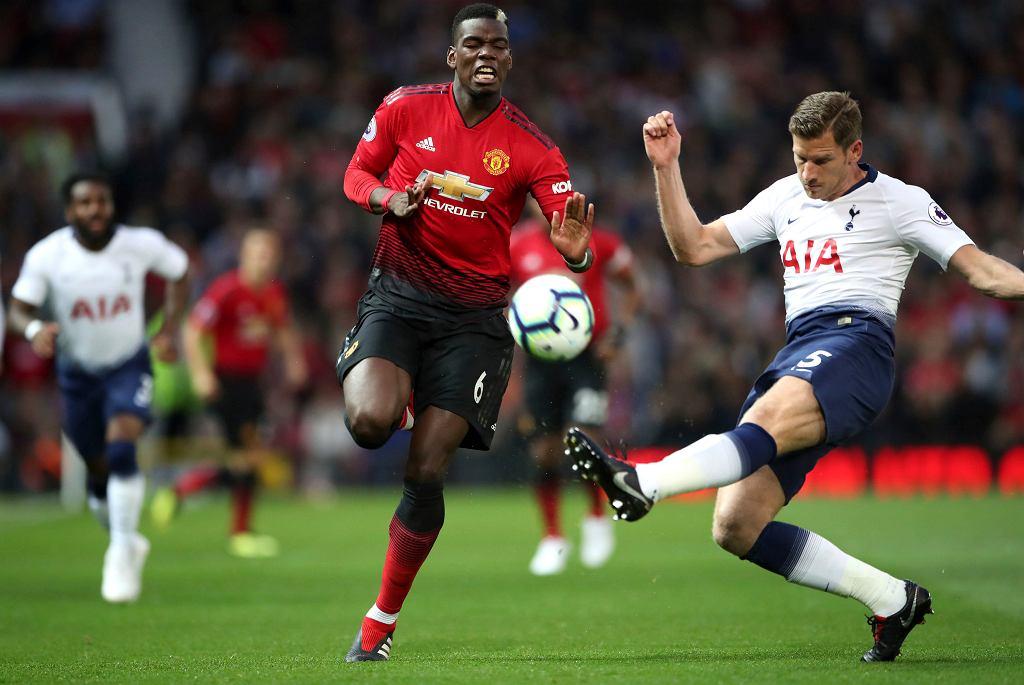 Paul Pogba (z lewej) w meczu Manchester Utd - Tottenham
