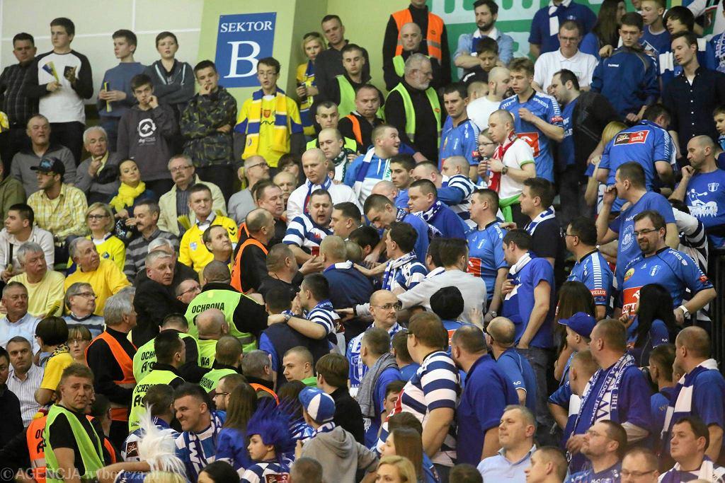 Piłka ręczna, Liga Mistrzów. Vive Targi Kielce - Orlen Wisła Płock 38:30