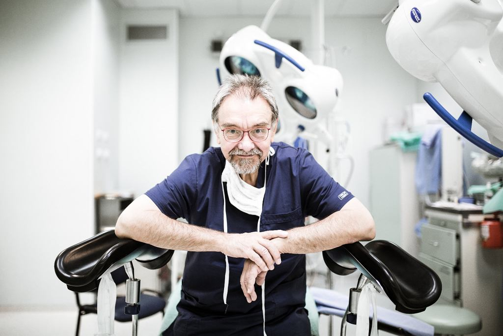 Prof. Romuald Dębski w Szpitalu Bielańskim (fot. Adam Stępień / AG)