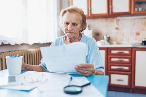 Wielkie polowanie na emerytów. Urzędy skarbowe żądają, aby po raz drugi zapłacili podatek od emerytury