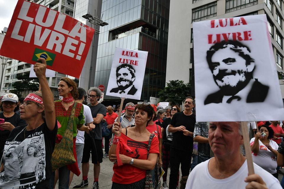 Zwolennicy  byłego prezydenta Brazylii Luli da Silvy