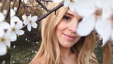 Kasia Tusk w naturalnym makijażu i w sukience w kwiaty!