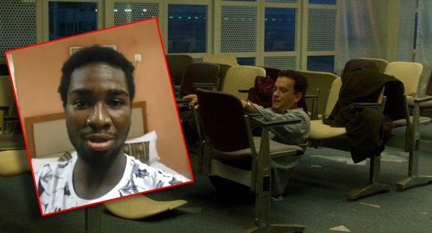Zdjęcie pilkarza uwięzione na lotnisku