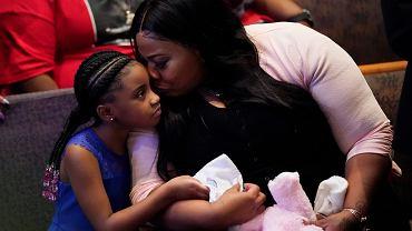 9.06.2020, Houston, pogrzeb George'a Floyda, córka zmarłego Gianna Floyd ze swoją matką Roxie Washington