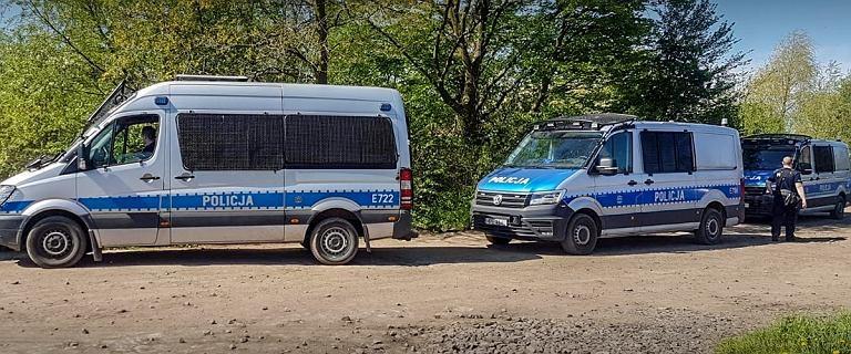 Policja: W Odrze znaleziono ciało młodszego z poszukiwanych chłopców