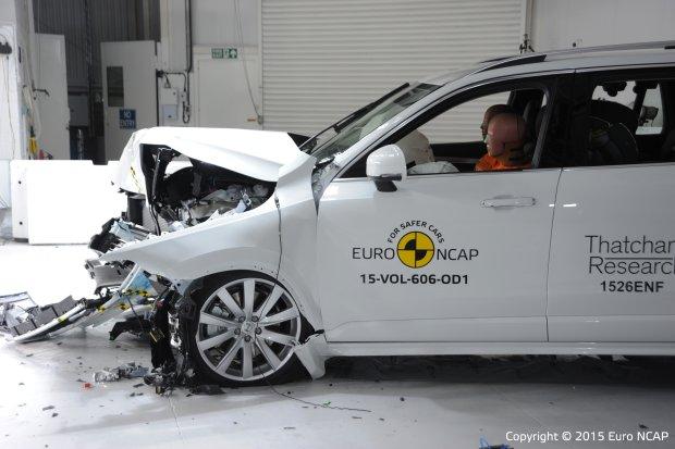 Volvo XC90 - test zderzeniowy