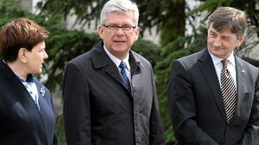 Premier Beata Szydło, marszałkowie - Senatu Stanisław Karczewski i Sejmu Marek Kuchciński