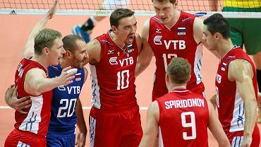 """Aleksiej Spiridonow z numerem """"9"""""""