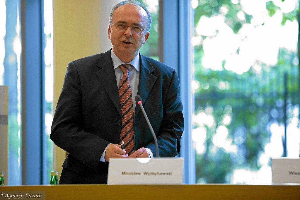 Prof. Mirosław Wyrzykowski