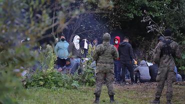 Migranci w okolicach Usnarza Górnego