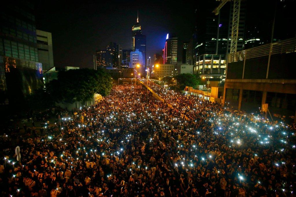 Demonstranci w dzielnicy finansowej Hongkongu