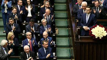 Premier rządu PiS Mateusz Morawiecki podczas exopose. Warszawa, 19 listopada 2019