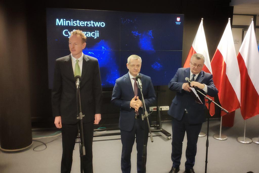 Konferencja prasowa Ubera w Ministerstwie Cyfryzacji w Warszawie