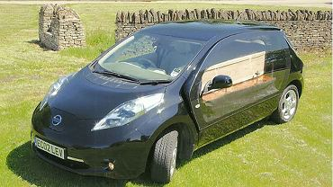 Nissan Leaf karawan