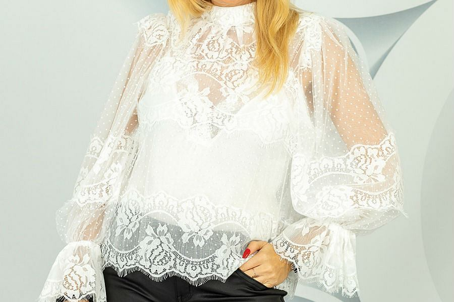 Biała bluzka z koronki