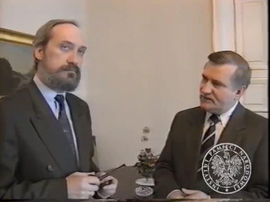 Prezydent Lech Wałęsa i minister spraw wewnętrznych Antoni Macierewicz.