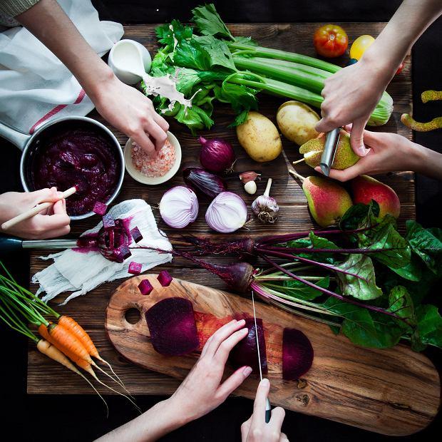 Książki kucharskie mówią nam więcej, niżbyśmy podejrzewali. Polecamy sześć najciekawszych