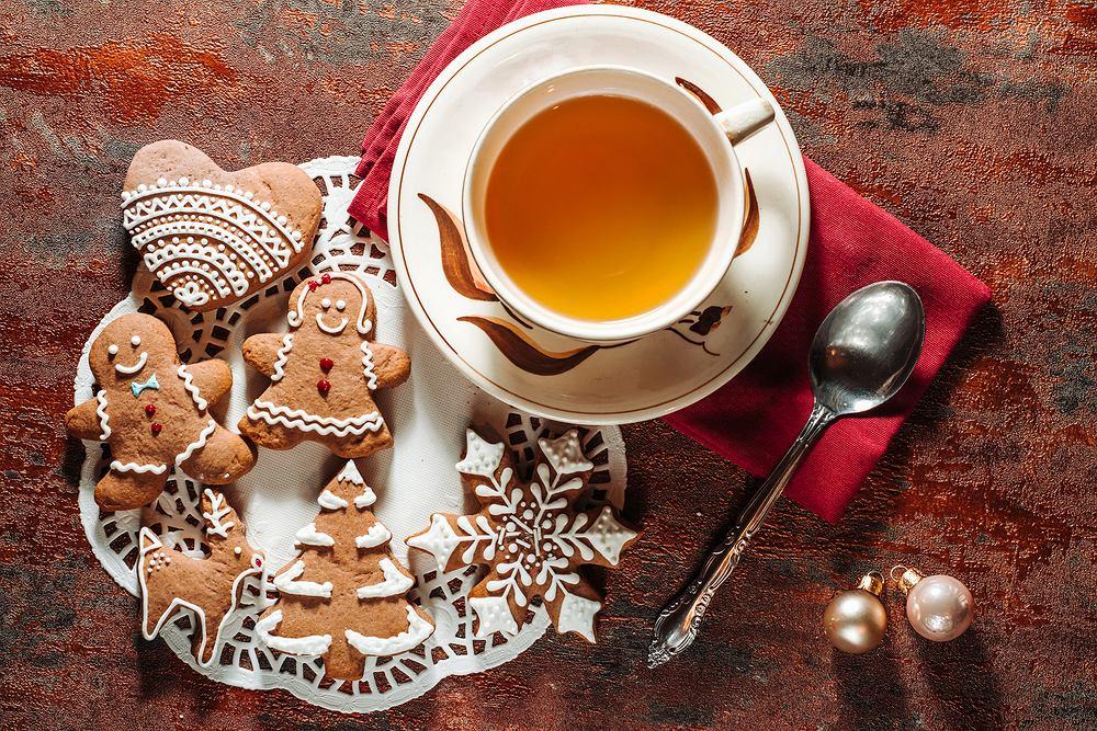 Herbata świąteczna to bardzo aromatyczny napój. Zdjęcie ilustracyjne