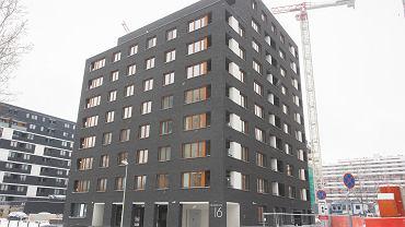 Nowe Centrum Południowe, czyli budynki mieszkalne przy ul. Gwiaździstej we Wrocławiu. Wokół dwóch gotowych trwa teraz budowa kolejnych obiektów - mieszkalnych i biurowych