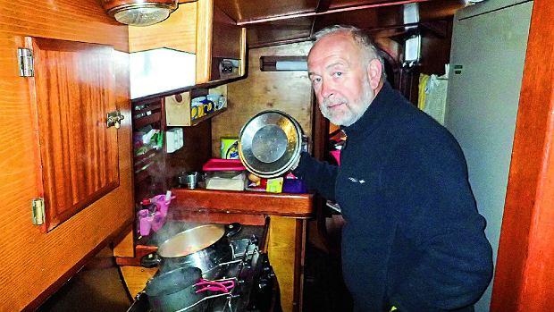 Wachta kambuzowa. Tak wygląda cała kuchnia pod pokładem.