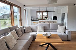 Aranżacja wnętrz domu jednorodzinnego w nowoczesnym stylu