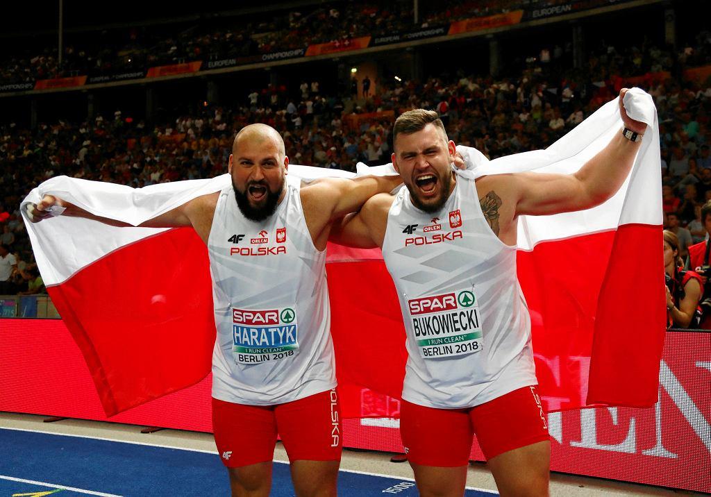 Radość medalistów Mistrzostw Europy w pchnięciu kulą, srebrnego Konrada Bukowieckiego (z prawej) i złotego Michała Haratyka