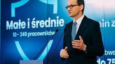 Premier Mateusz Morawiecki podczas konferencji nt. 'Tarczy finansowej dla firm', 8 kwietnia 2020.