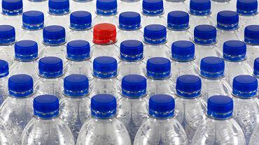Nowe przepisy coraz bliżej. Pojawi się kaucja na szklane i plastikowe butelki