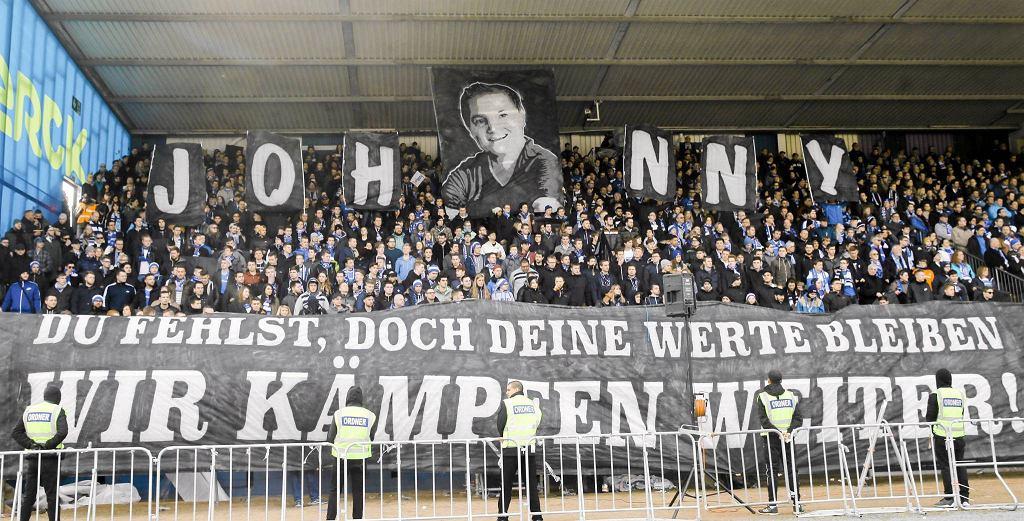 Kibice SV Darmstadt 98 czczą pamięć zmarłego kibica