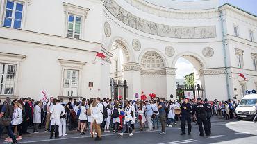 Protest przed Ministerstwem Zdrowia
