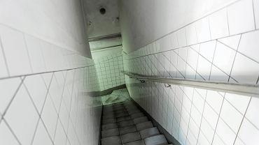 Zejście do toalety