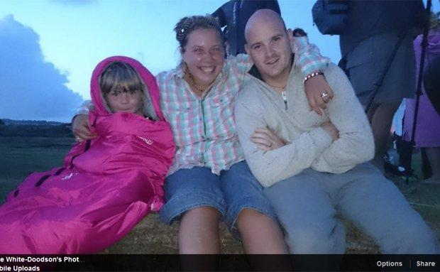 Natalie White Doodson z córką i mężem
