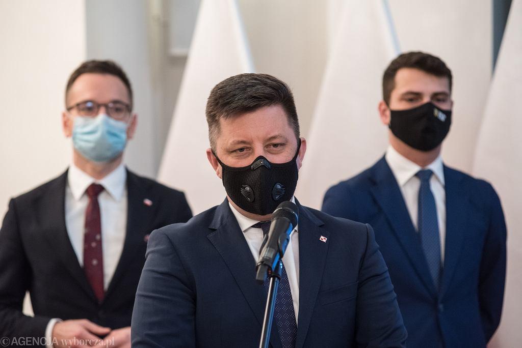 Szef KPRM Michał Dworczyk o szczepieniach w zakładach pracy