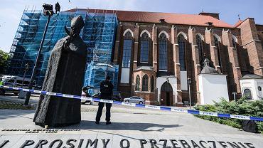 Nożownik zaatakował księdza w kościele Najświętszej Marii Panny na Piasku