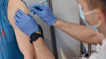Koronawirus w Polsce. Punkt szczepień przeciw COVID-19
