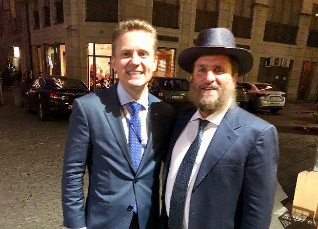 Andrzej Pawluszek ze swoim przyjacielem Shmuleyem Boteachem, jednym z najbardziej wpływowych rabinów w USA, doradcą duchowym gwiazd Hollywood i showbiznesu