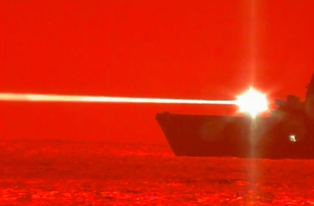 Testy nowego działa laserowego US Navy