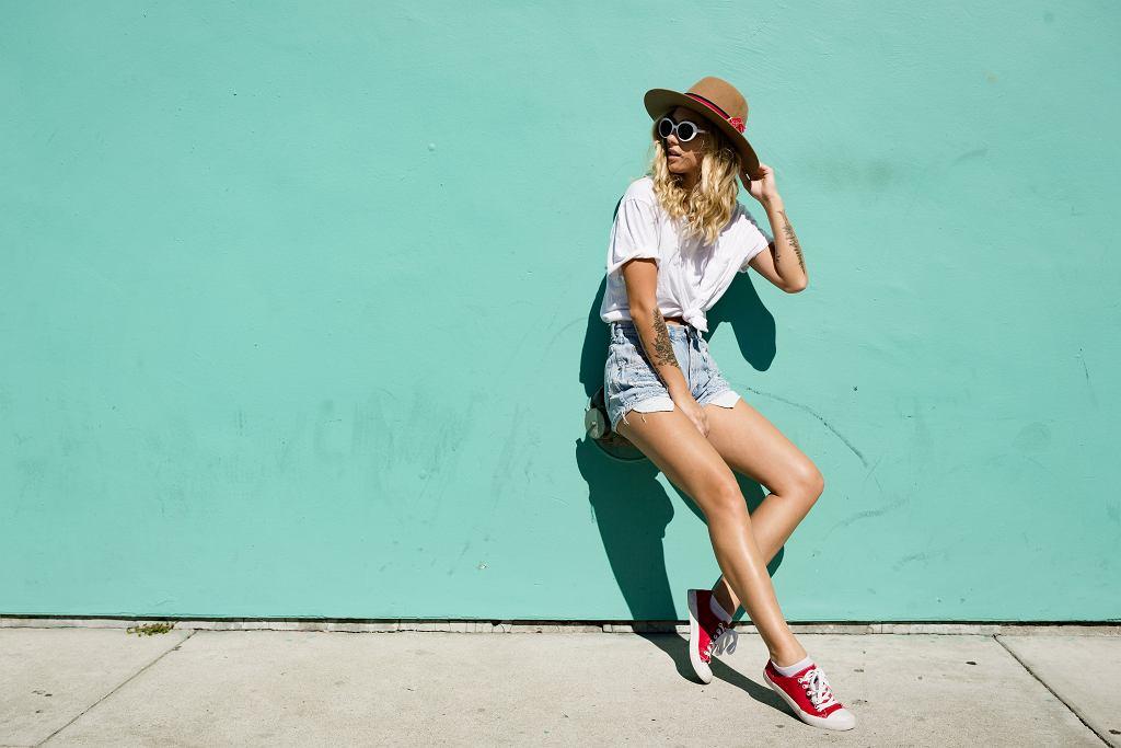 Szorty damskie są idealnym rozwiązaniem na lato. Zdjęcie ilustracyjne, HPepper/shutterstock.com
