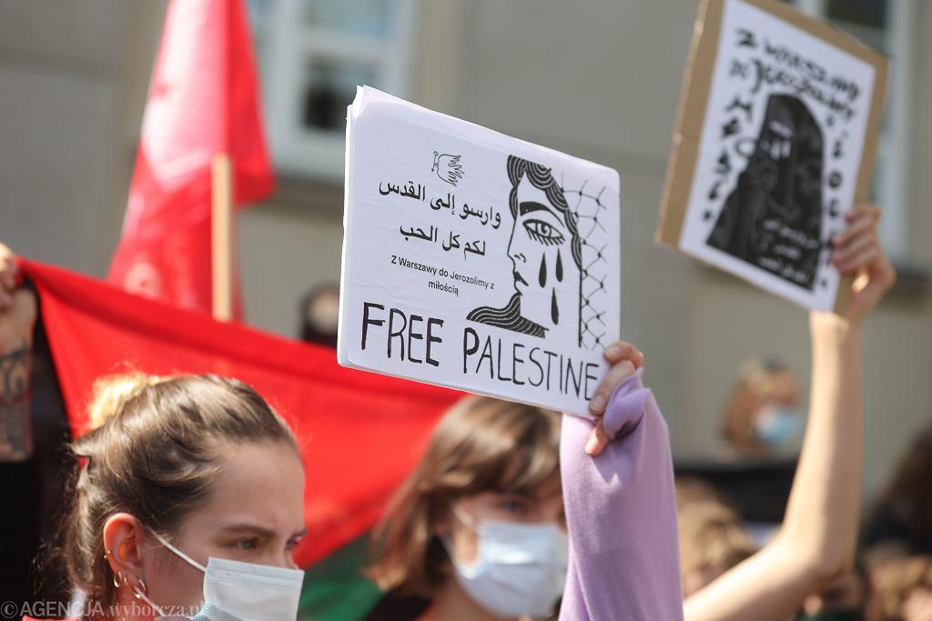 Protest przed ambasadą Izraela przeciwko bombardowaniom w strefie Gazy