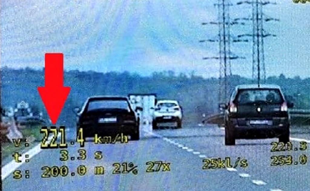 Wrocław. Pirat drogowy jechał 221 km/h. Mówi, że 'nie czuł prędkości'