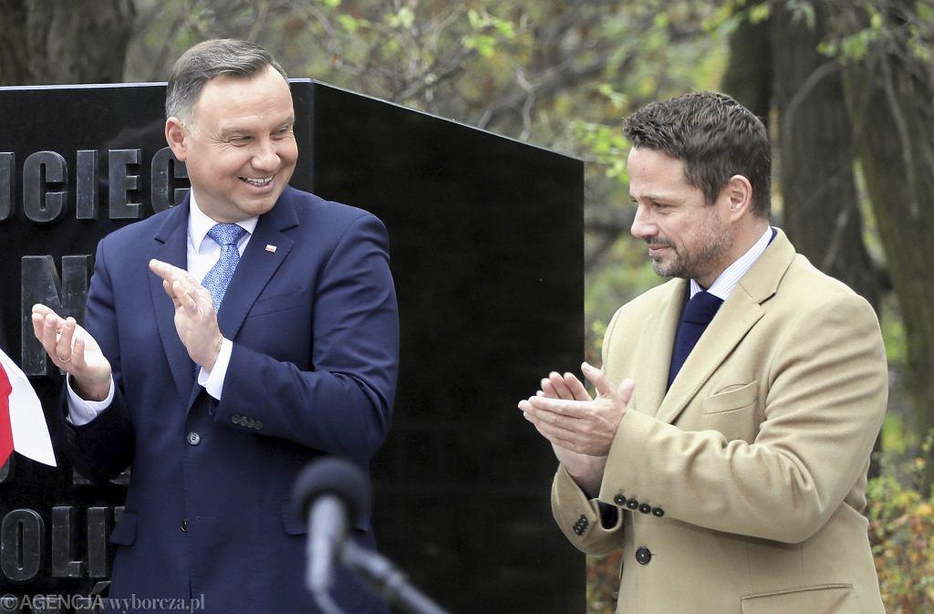 Prezydent Andrzej Duda i prezydent Warszawy Rafał Trzaskowski