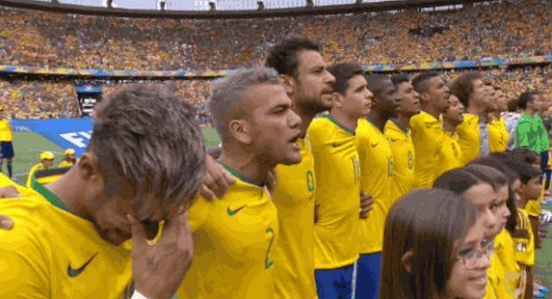 Neymar wzruszony hymnem Brazylii